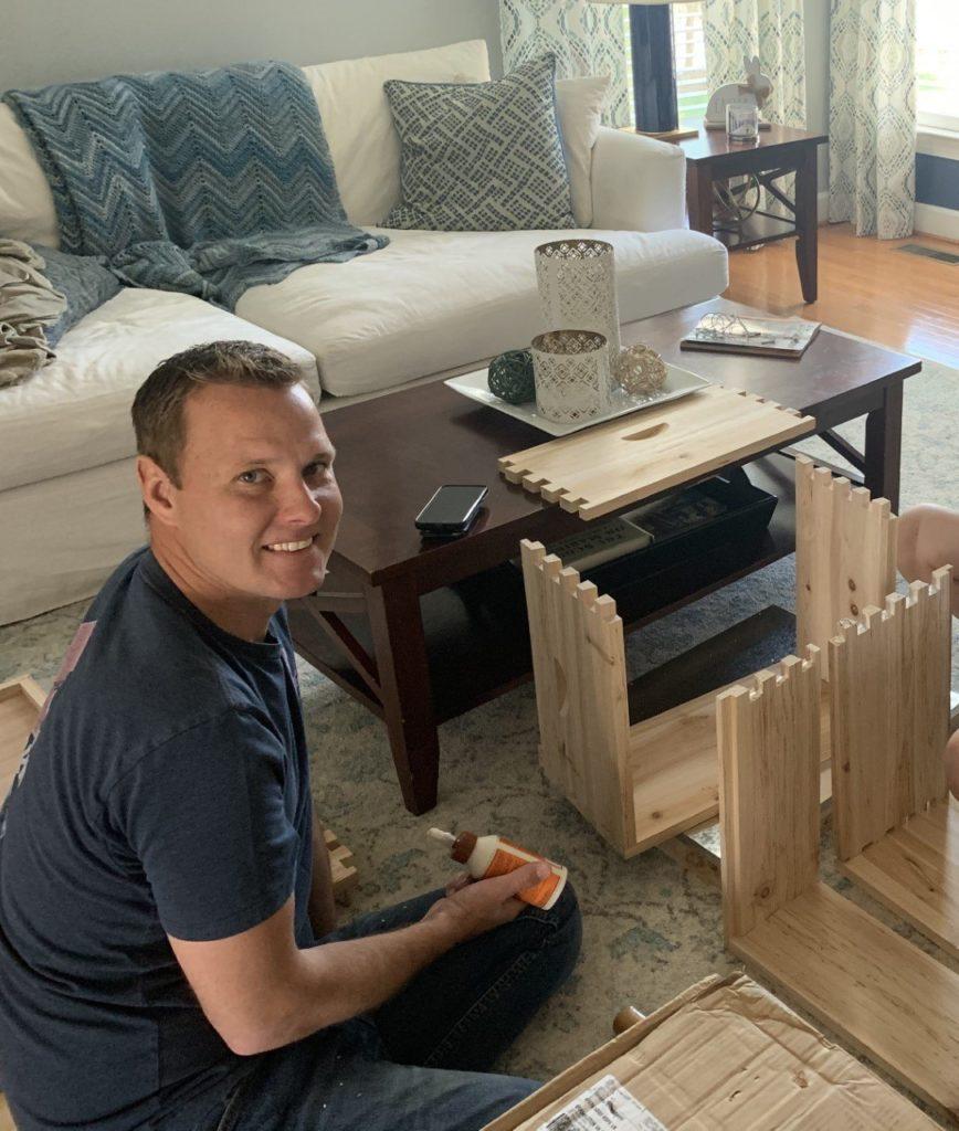 Tim-Groszkowski-bee-nest-building