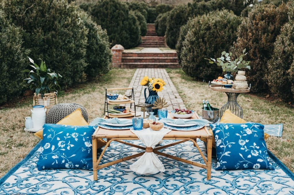 picnic-and-pearls-blue