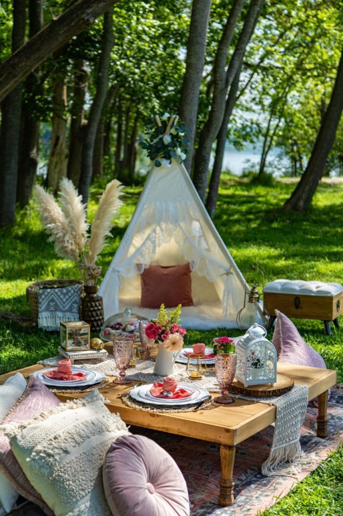 picnic-and-pearls-teepee