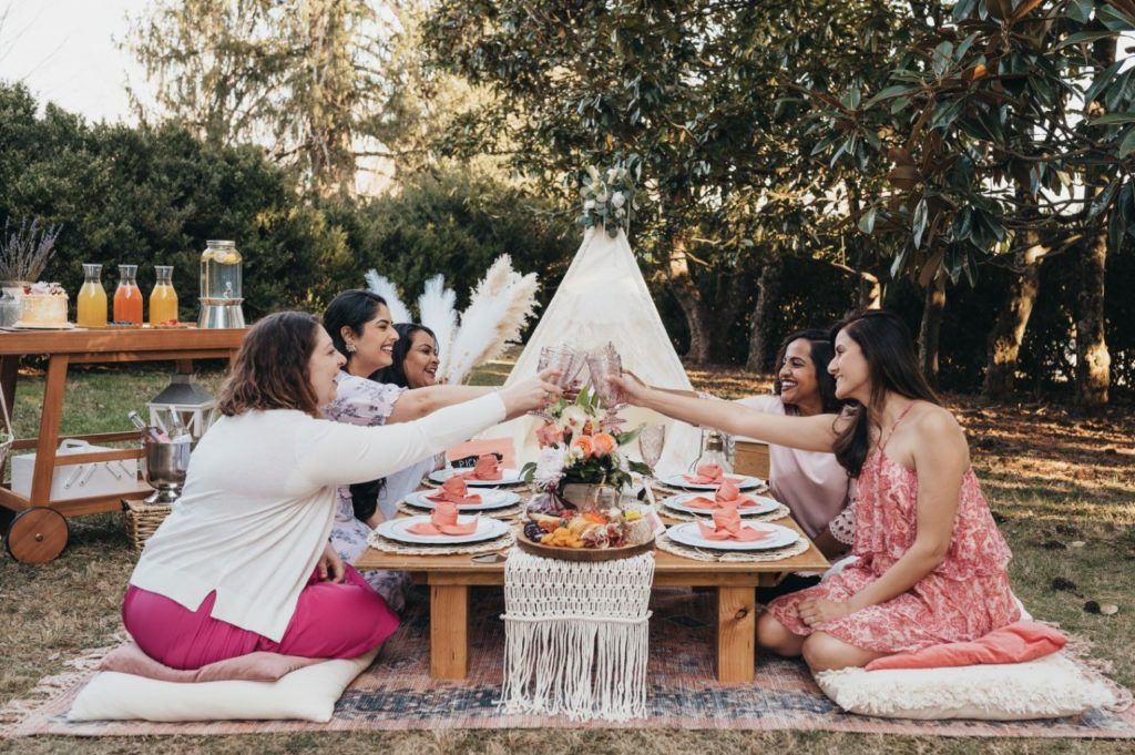 picnics-and-pearls-friends